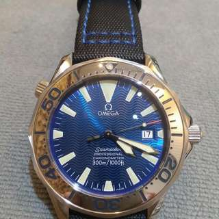 Omega seamaster professional 300m ( Electric Blue Dial )