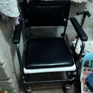 Wheelchair W Commodo