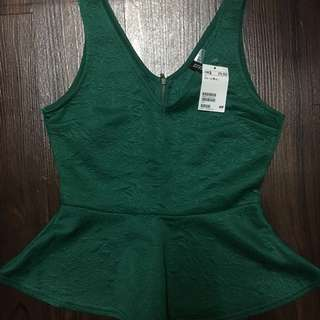 H&M v neck zip back top with TAG