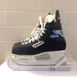 Bauer Charger Hockey Skates / Men's Size 7 / Women's Size 9