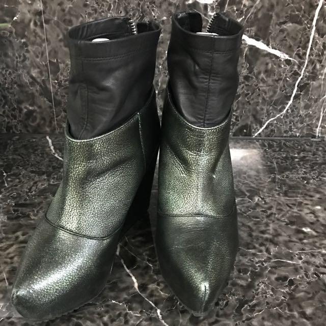墨綠尖頭仿皮襪套楔型厚底短靴