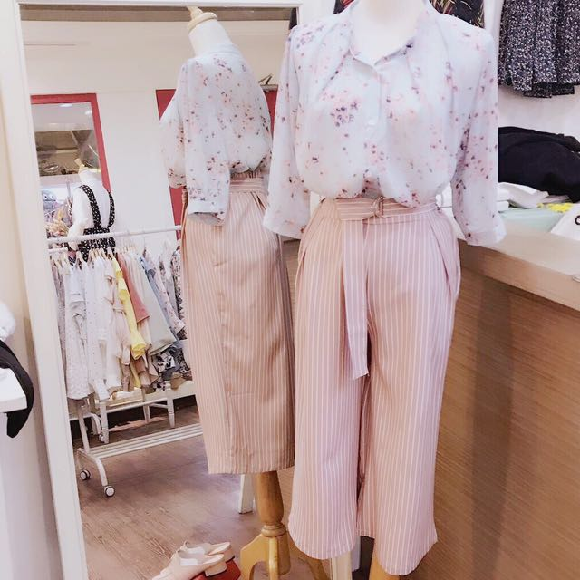 日雜款粉色落櫻七分袖襯衫