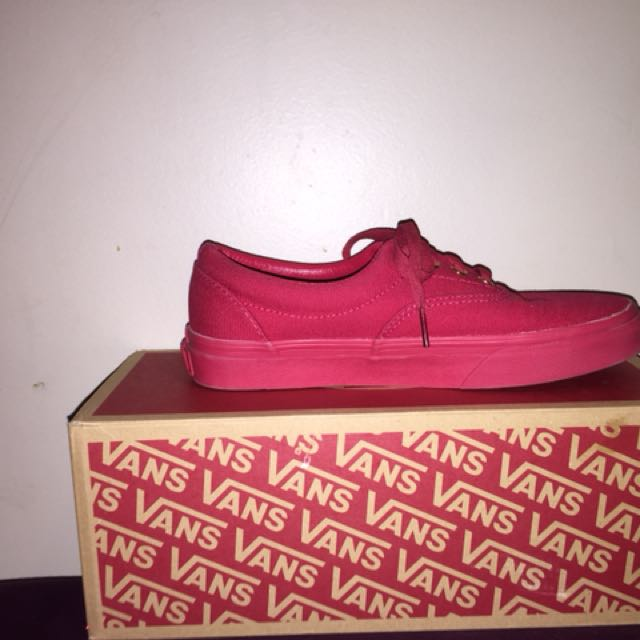 All Red Vans Of The Wall Low Cut 10/10 Condtion