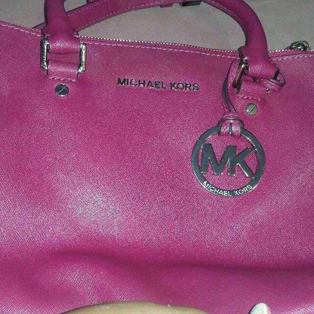 Authentic Preloved Michael Kors Medium Sutton Bag