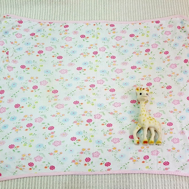 Baby blanket or towel dainty print