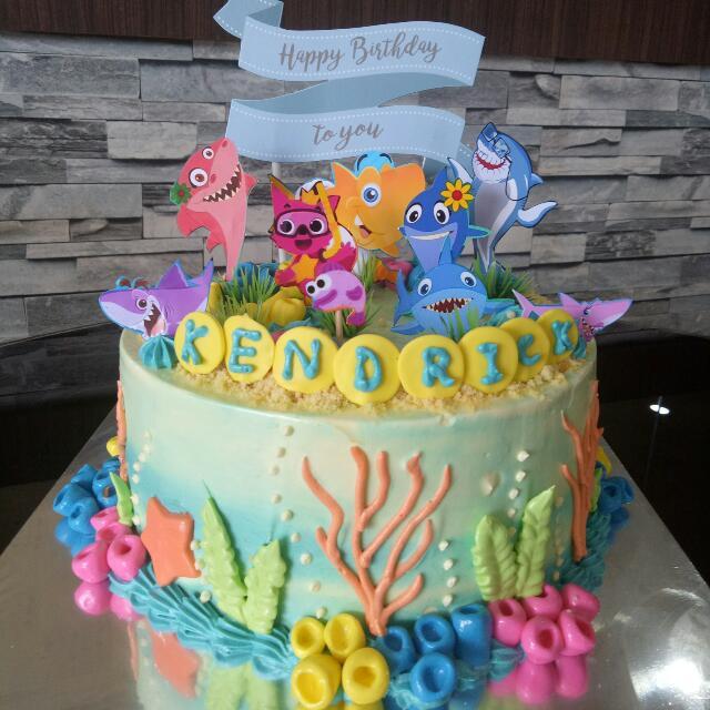 Baby Shark Cake Food Amp Drinks Baked Goods On Carousell
