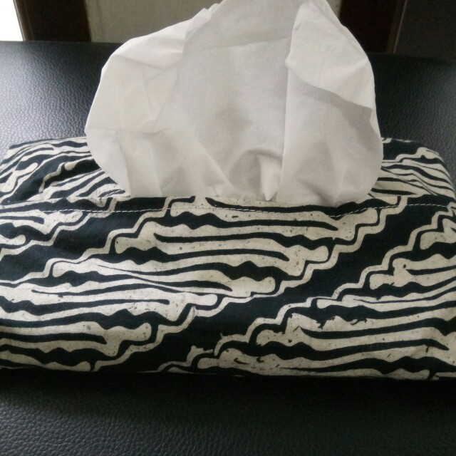 Batik tissue case
