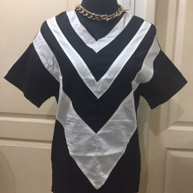 black and white top m-l