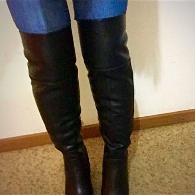 BNWT Over The Knee Boots Never Worn & Still In Box