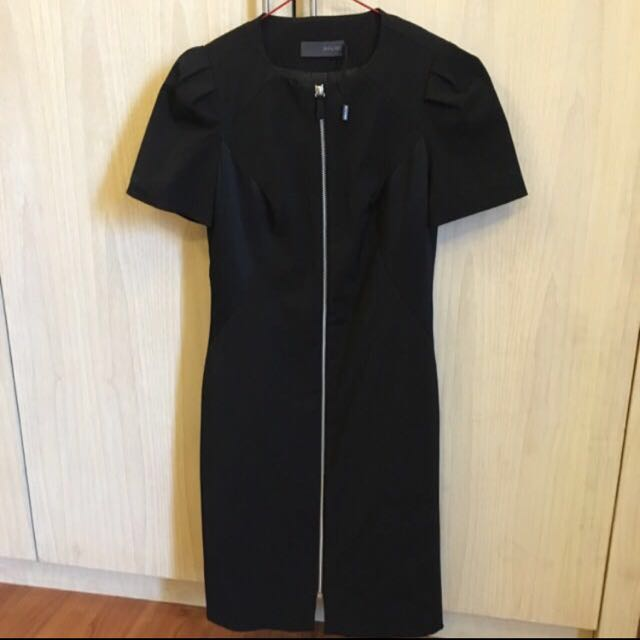 Dress kerja Invio warna hitam size 8
