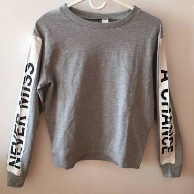 H&M Sweatshirt <Never Miss A Chance>