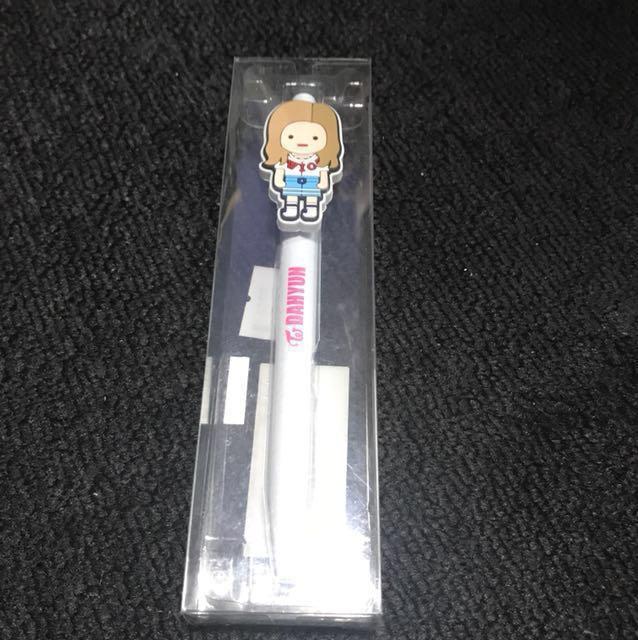 Instocks Twice Shibuya 109 dahyun pen