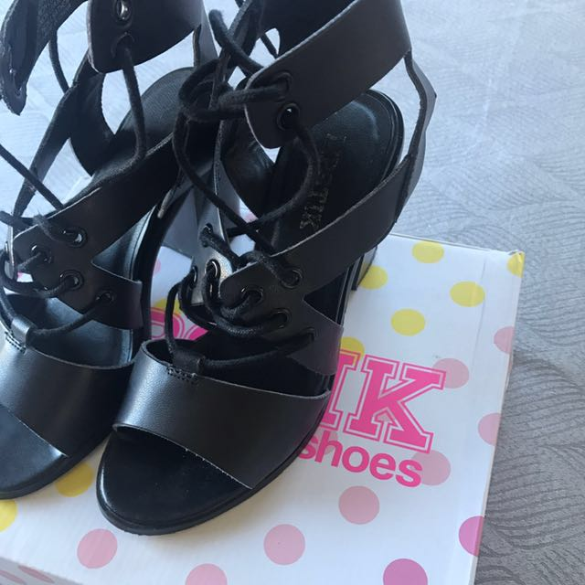 Lipstik Heels - Size 7