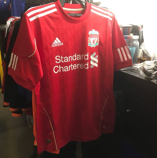 new arrival 55ab7 d723c Liverpool original youth jersey (defective), Sports, Sports ...