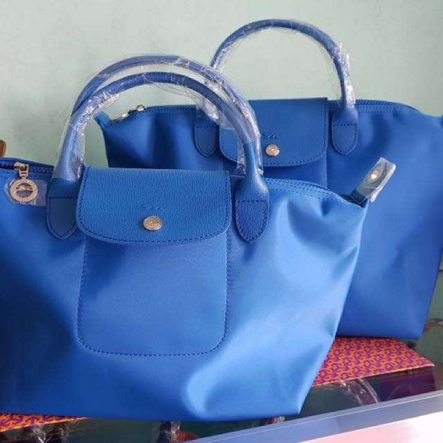 Longchamp Bag buy 2 for 2700 only limited offer only buy NOW!