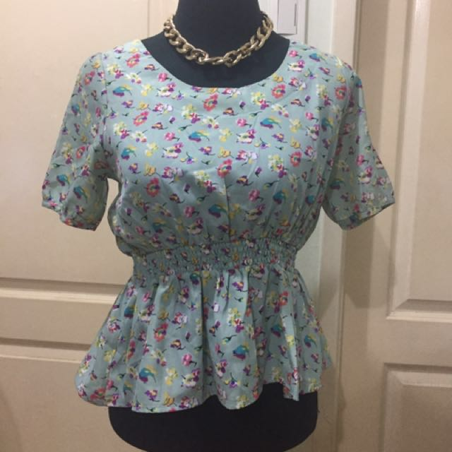 lowrys farm floral top s-m