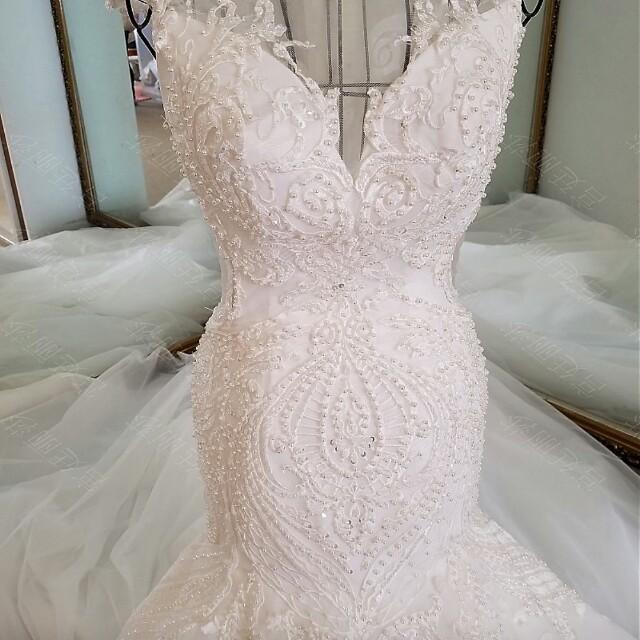 Luxury Wedding dress - gaun pengantin mewah - like new - masih sangat bagus sudah di tambah swarovsky dan payet bening hasil lebih kemilau - baru pakai 1x milik pribadi import hongkong