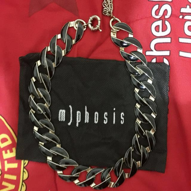 m)phosis necklace
