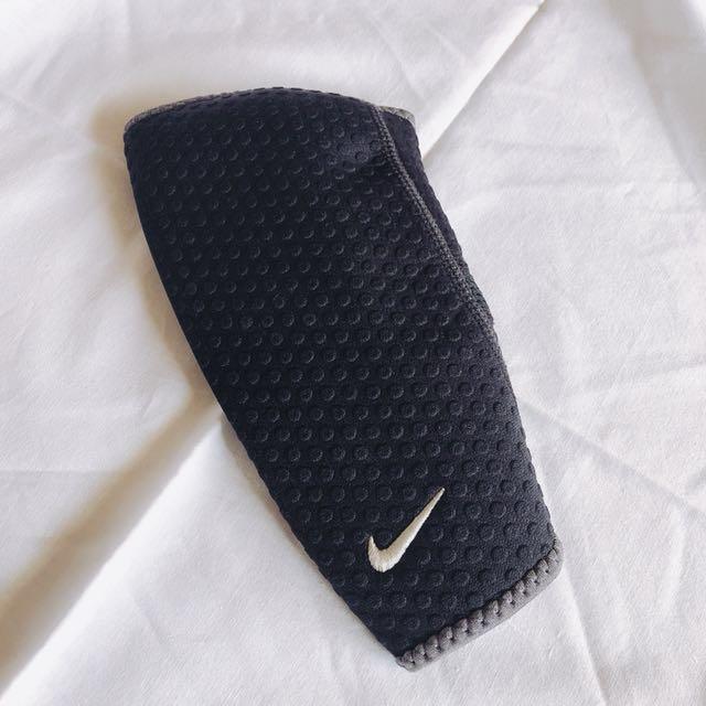 Nike 護腕套