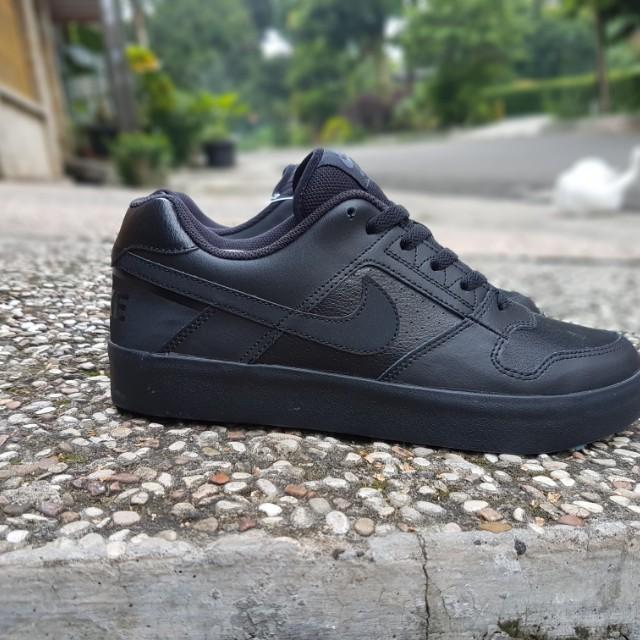 Nike sb delta force vulc black black