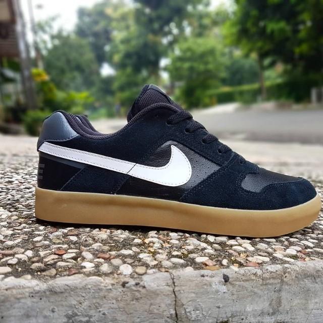 Nike sb delta force vulc black gumsole