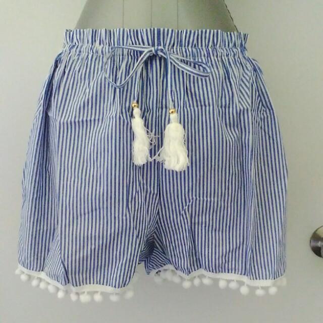 Pom pom shorts