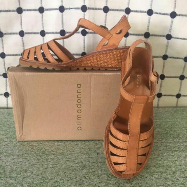 REPRICED! Prima dona Tan Sandals size 6
