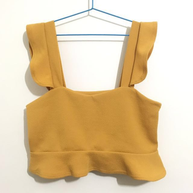 RUFFLE CROP TOP