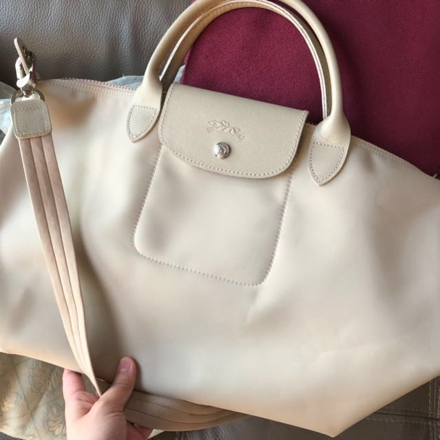 5d6afcc1bed4 SALE Authentic Longchamp Le Pliage Neo Medium in Beige