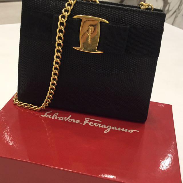 265244982f Salvatore Ferragamo Vintage Lizard Embossed Leather Shoulder Bag ...