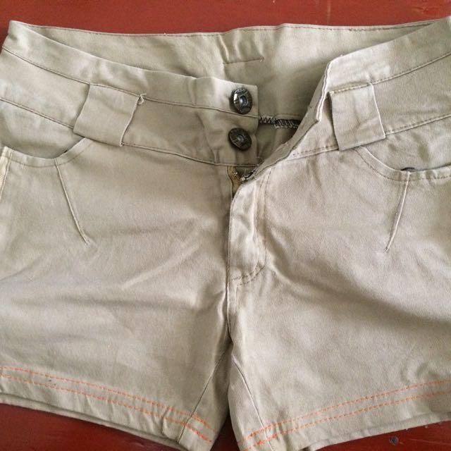 Selling My Preloved Shorts..Medium Size