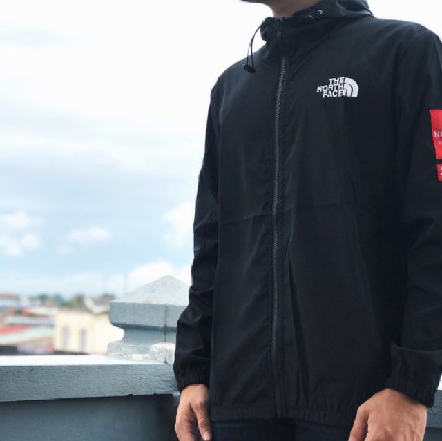 252fabdba2cd The North Face X Supreme Windbreaker
