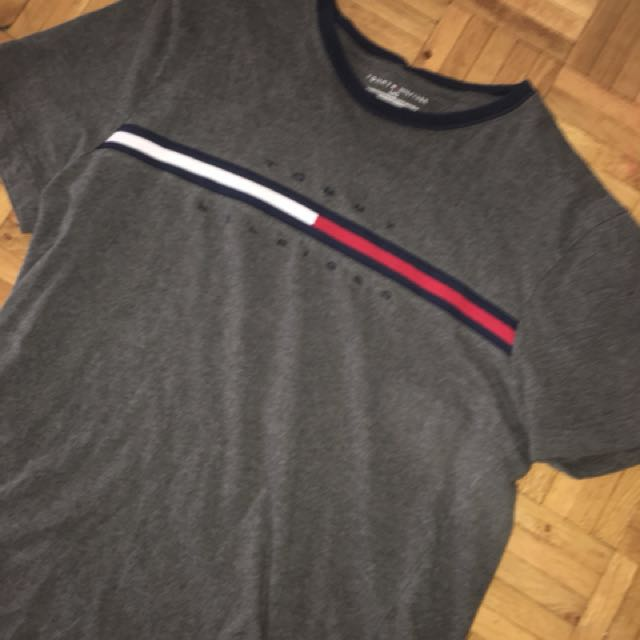 tommy hilifiger tee