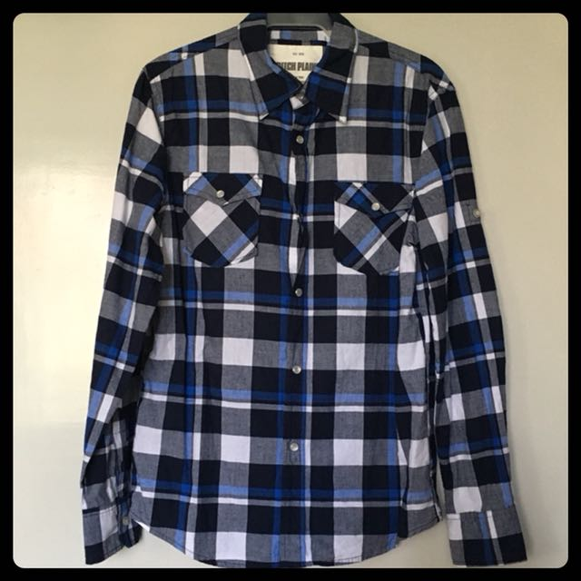 Top/Blouse 8: Checkered Longsleeves