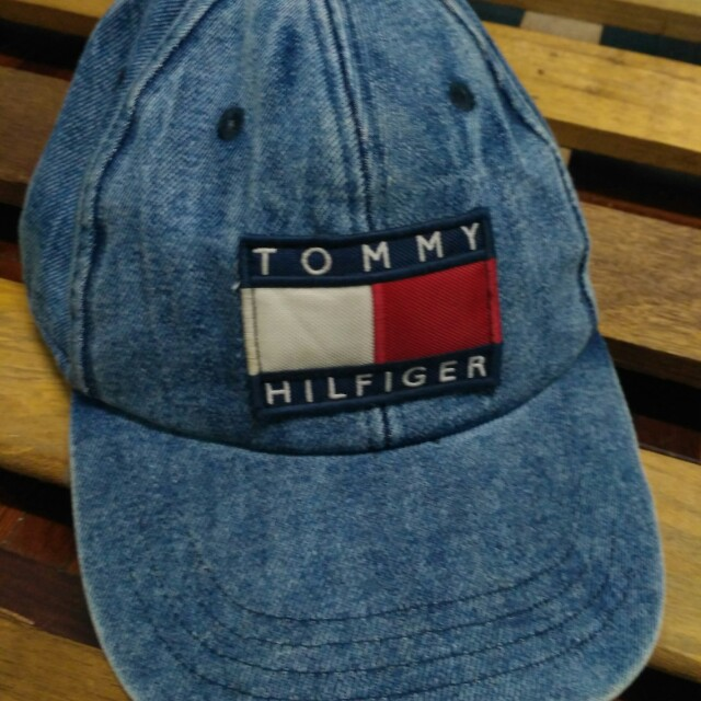 1bca6083 Vintage Tommy Hilfiger Denim Snapback, Men's Fashion, Accessories on  Carousell