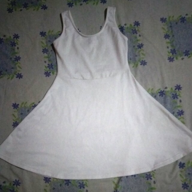 white dress colorbox