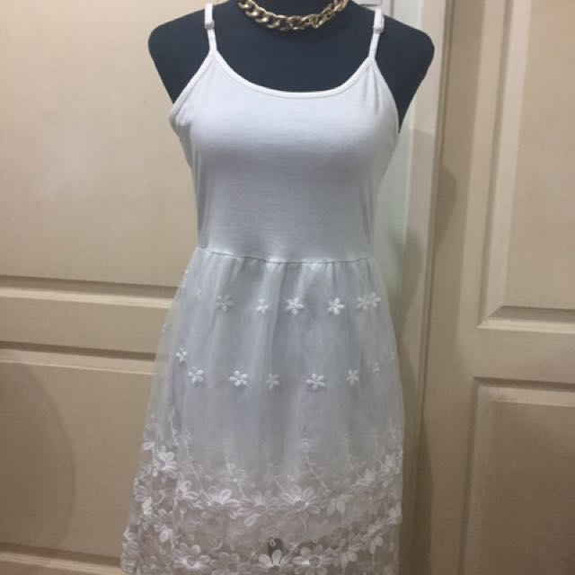 white lace dress adjustable m