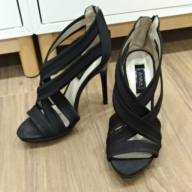 ZARA黑色高跟鞋