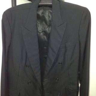 Men's classy suit- large