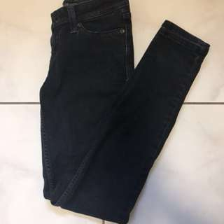 2 Levi's pants for 30$
