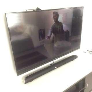 """DÉVANT 50"""" TV"""