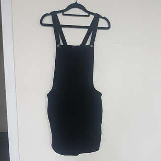 Black velvet dress size 10