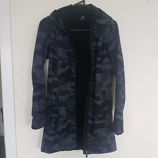 Windproof waterresistant jacket size s