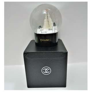Instock! CHANEL Christmas Theme Glass Snow Globe *VIP GIFT* X'Mas Tree Gifts (Black Base) *Defective Piece*+ FREE Normal Courier Delivery