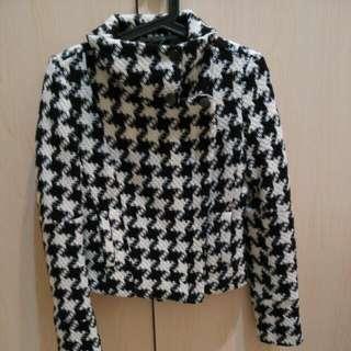 (降價)MNGO小香風短版外套