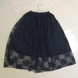 🚚 深藍 薄紗 碎花刺繡花紋 鬆緊 長裙