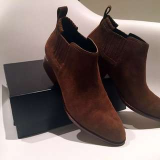 Alexander Wang Kori Suede Booties - size 39 Brand new