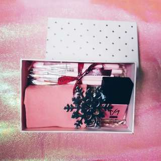 Pink Paradise Christmas Thought Box