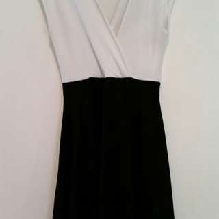 Maternity dress (size UK 6 or AU 6-8)