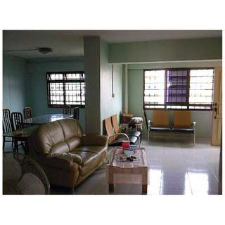HOUGANG BLK 574 5-Room COMMON ROOM FOR RENT